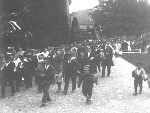 Kummerow Castle - Harvest Festival in the 1920s (Source: 750 Years of Kummerow - Festschrift, 2005)