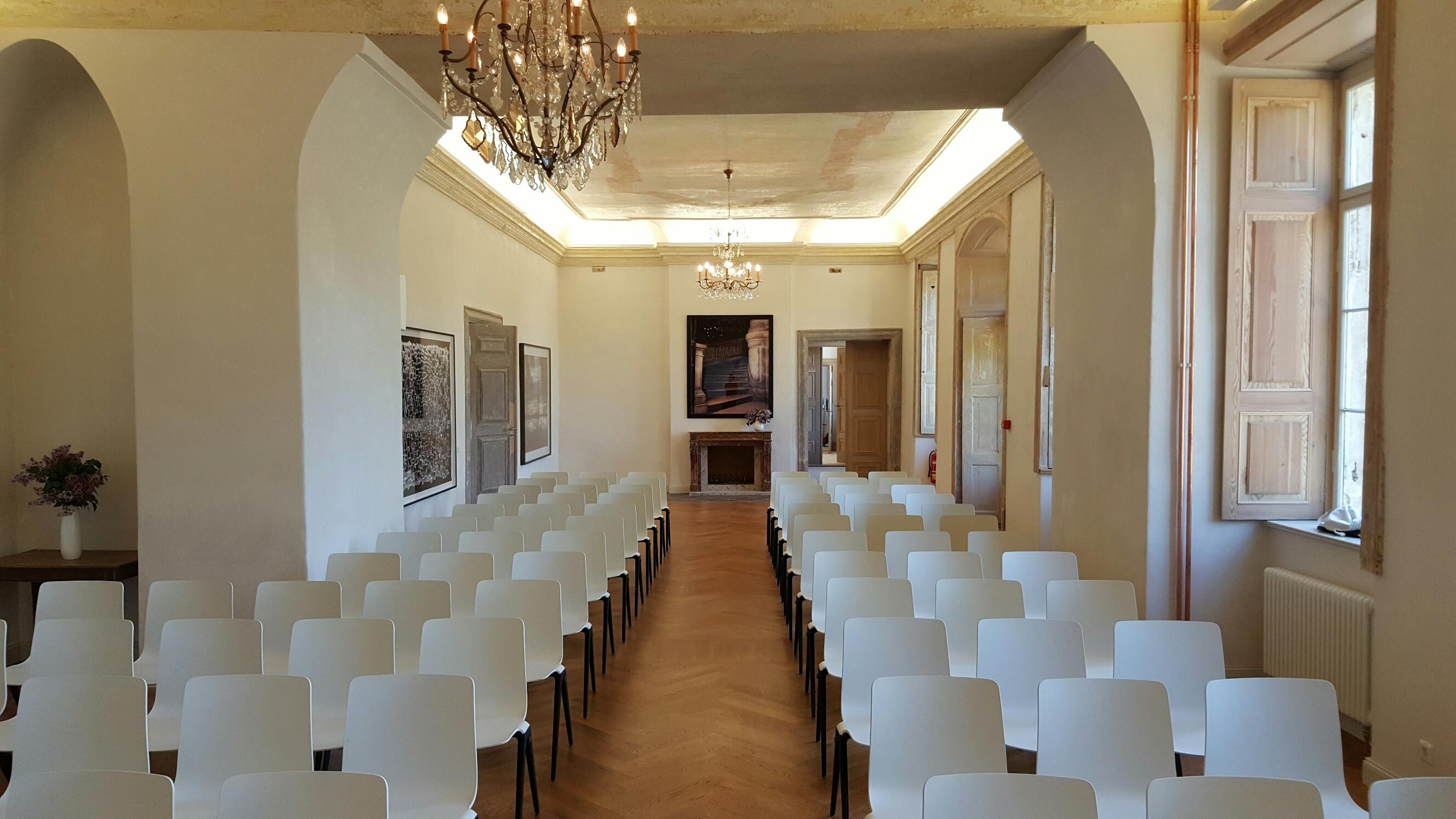 Gartensaal im Erdgeschoss für bis zu 130 Personen
